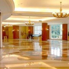Clifford Golden Lake Hotel интерьер отеля фото 3