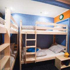 Art Hostel Contrast Кровать в общем номере с двухъярусной кроватью