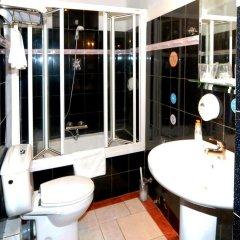 Отель CH Plaza D'Ort Rooms Madrid ванная