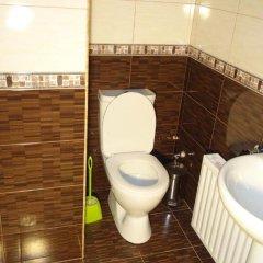 Отель Artush & Raisa B&B Армения, Гюмри - отзывы, цены и фото номеров - забронировать отель Artush & Raisa B&B онлайн ванная