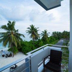 Отель The White Harp Beach Hotel Мальдивы, Мале - отзывы, цены и фото номеров - забронировать отель The White Harp Beach Hotel онлайн балкон