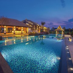 Отель Riyuegu Hotsprings Resort бассейн