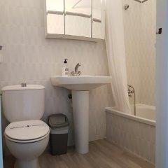 Отель Apartaments California ванная фото 2