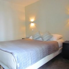 Отель Hôtel Exelmans 2* Улучшенный номер с двуспальной кроватью фото 3