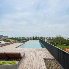 Отель The Deck Condo Patong бассейн фото 3