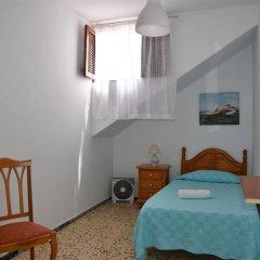 Отель Pensión Eva Номер с общей ванной комнатой с различными типами кроватей (общая ванная комната) фото 2