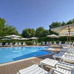 Отель Flaminio Village Bungalow Park Италия, Рим - 3 отзыва об отеле, цены и фото номеров - забронировать отель Flaminio Village Bungalow Park онлайн бассейн фото 2