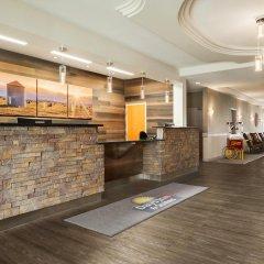 Отель Days Inn & Suites by Wyndham Brooks интерьер отеля фото 3