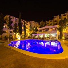 Отель Holiday Park бассейн фото 2