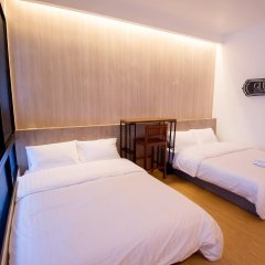 Отель Glur Bangkok Стандартный номер разные типы кроватей фото 35