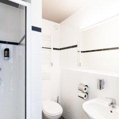 Отель A&O Prague Rhea 3* Стандартный номер с различными типами кроватей фото 5
