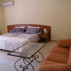 Апартаменты Palazzo Apartment Lew Солнечный берег комната для гостей фото 3