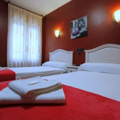 Отель Hostal Regio Стандартный номер с двуспальной кроватью фото 16