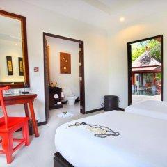 Отель The Bell Pool Villa Resort Phuket 5* Вилла Делюкс с различными типами кроватей