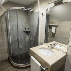 Отель Old Meidan Tbilisi Грузия, Тбилиси - 1 отзыв об отеле, цены и фото номеров - забронировать отель Old Meidan Tbilisi онлайн ванная фото 2