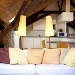 Отель Guesthouse Maison de la Rose 3* Стандартный семейный номер с различными типами кроватей фото 8