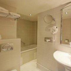 Hotel Queen Mary Paris 3* Стандартный номер с двуспальной кроватью