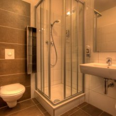 Отель 2A Hostel Германия, Берлин - 2 отзыва об отеле, цены и фото номеров - забронировать отель 2A Hostel онлайн ванная фото 2