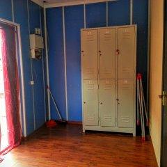 Esentai Hostel Алматы сейф в номере