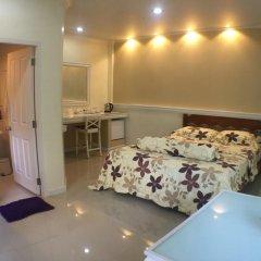 Отель Phuket Airport Suites & Lounge Bar - Club 96 комната для гостей фото 5
