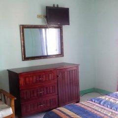 Отель Caribic House Hotel Ямайка, Монтего-Бей - отзывы, цены и фото номеров - забронировать отель Caribic House Hotel онлайн удобства в номере фото 2