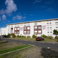 All Suites Appart Hotel Merignac парковка фото 2