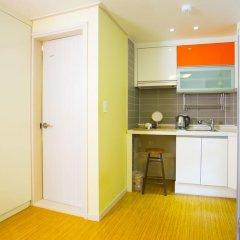 KW Hongdae Hostel Стандартный номер с 2 отдельными кроватями фото 4