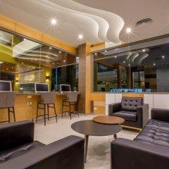 Отель Aqua Resort Phuket гостиничный бар