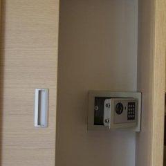 Hotel Aron сейф в номере