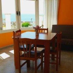 Отель Apartamentos Famara Испания, Льорет-де-Мар - отзывы, цены и фото номеров - забронировать отель Apartamentos Famara онлайн в номере фото 2