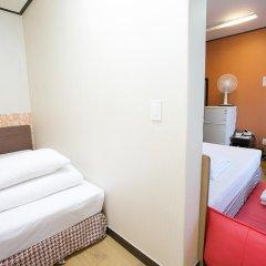 K Hostel Стандартный семейный номер с двуспальной кроватью фото 3