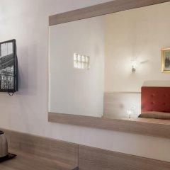 Отель Domus Napoleone 3* Стандартный номер с различными типами кроватей фото 6