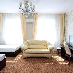 Гостиница Vision 3* Стандартный семейный номер с двуспальной кроватью