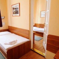 Budapest Csaszar Hotel 3* Стандартный номер с двуспальной кроватью фото 10