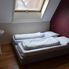 St Christophers Inn Hostel at The Bauhaus Номер с общей ванной комнатой с различными типами кроватей (общая ванная комната) фото 3