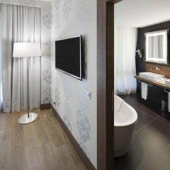Отель NH Collection Milano President 5* Люкс с различными типами кроватей фото 2