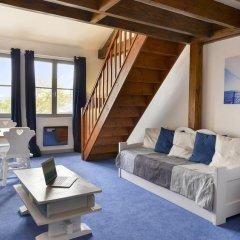 Hotel The Originals Domaine des Thômeaux (ex Relais du Silence) 3* Коттедж с различными типами кроватей