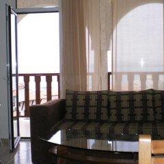 Отель Breeze Hotelcomplex комната для гостей фото 2