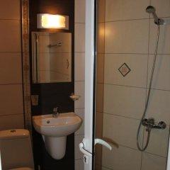 Отель Guest House Central Стандартный номер фото 14