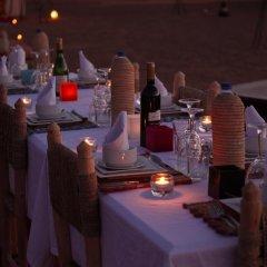Отель Merzouga Luxury Camp Марокко, Мерзуга - отзывы, цены и фото номеров - забронировать отель Merzouga Luxury Camp онлайн гостиничный бар