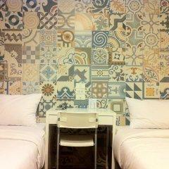 Отель Baan Saladaeng Boutique Guesthouse 3* Номер с общей ванной комнатой фото 2