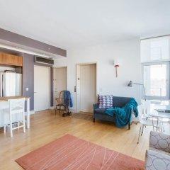 Отель onefinestay - Greenpoint private homes США, Нью-Йорк - отзывы, цены и фото номеров - забронировать отель onefinestay - Greenpoint private homes онлайн комната для гостей фото 5