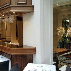 Отель Suites Unic Renoir Saint-Germain Франция, Париж - отзывы, цены и фото номеров - забронировать отель Suites Unic Renoir Saint-Germain онлайн питание фото 3