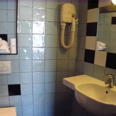 Отель Hôtel Monte Carlo 2* Стандартный номер с различными типами кроватей фото 7