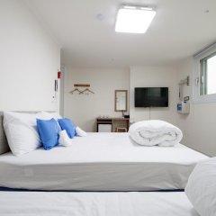 Отель K-GUESTHOUSE Dongdaemun 4 2* Стандартный семейный номер с двуспальной кроватью фото 5