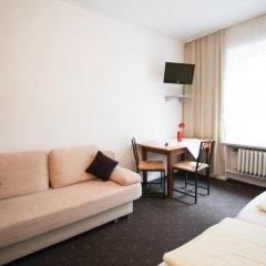 Отель Pension/Guesthouse am Hauptbahnhof Стандартный номер с двуспальной кроватью (общая ванная комната) фото 11