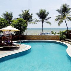 Отель Pride Beach Resort бассейн