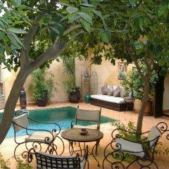 Отель Riad Du Petit Prince бассейн фото 3