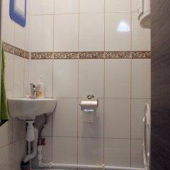 Гостиница Хостел At Sunny's в Санкт-Петербурге - забронировать гостиницу Хостел At Sunny's, цены и фото номеров Санкт-Петербург ванная