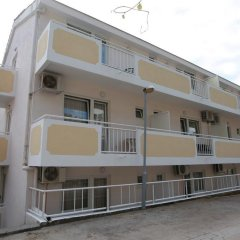 Hotel Vila Prestige парковка